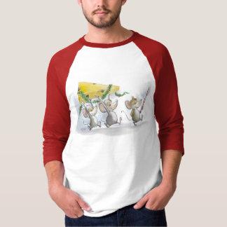 El traer en la camiseta del queso del navidad