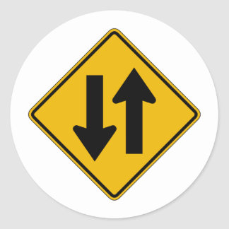 El tráfico bidireccional, trafica la señal de pegatina redonda