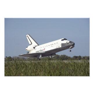 El transbordador espacial la Atlántida aterriza en Fotografía