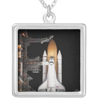 El transbordador espacial la Atlántida sienta Colgante Cuadrado