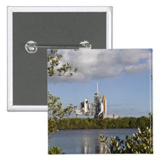 El transbordador espacial la Atlántida sienta Pin Cuadrado