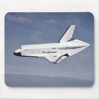 El transbordador espacial vuelve a casa mousepad