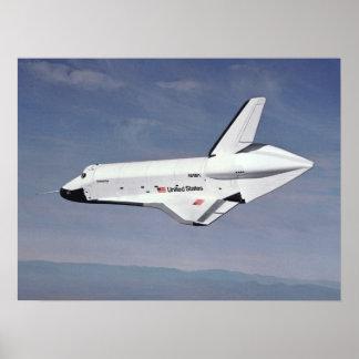El transbordador espacial vuelve a casa póster