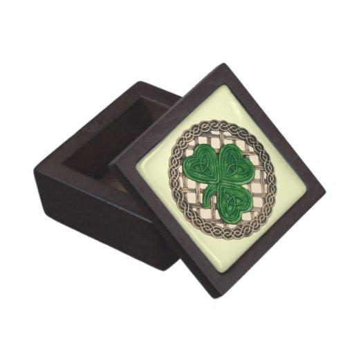 El trébol beige en Celtic anuda la caja del recuer Caja De Regalo De Calidad