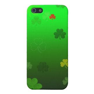 El trébol del Leprechaun iPhone 5 Carcasas