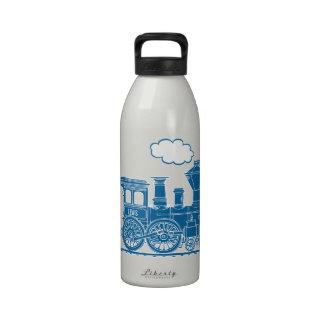 El tren azul embroma la botella blanca conocida de botallas de agua