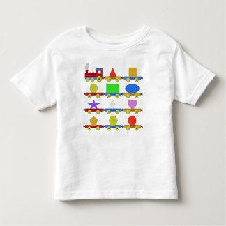 El tren de la forma playera de bebé