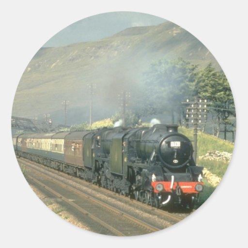 El tren por último vapor-acarreado del ferrocarril pegatina redonda