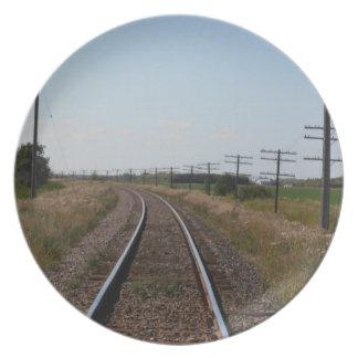 El tren sigue la placa plato de cena