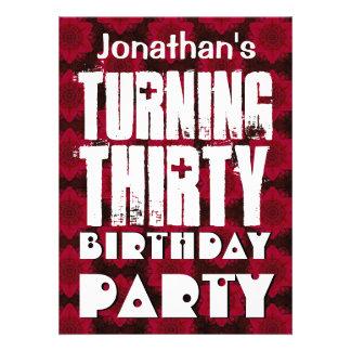El trigésimo cumpleaños moderno - dando vuelta a t invitacion personalizada