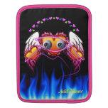 El trío de los corazones con los ojos en fuego y á fundas para iPads