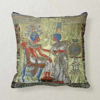 El trono de Tutankhamon Almohada
