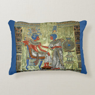 El trono de Tutankhamon Cojín Decorativo