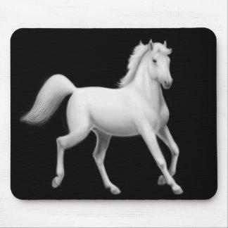El trotar Mousepad del caballo blanco