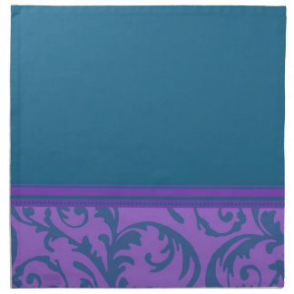 El trullo púrpura remolina las servilletas de cena