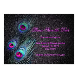 El trullo y el pavo real negros de las rosas comunicados