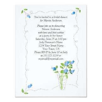 """El tulipán azul florece la ducha nupcial invita invitación 4.25"""" x 5.5"""""""