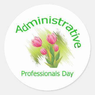 El tulipán florece día administrativo de los pegatina redonda
