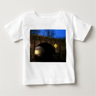 El túnel I - mundo mágico más allá del túnel Camisas