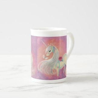 El unicornio adentro se ruboriza de amanecer taza de porcelana