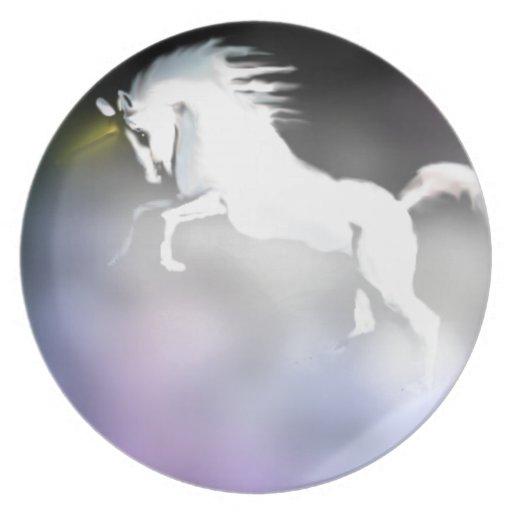 El unicornio en la niebla platos para fiestas