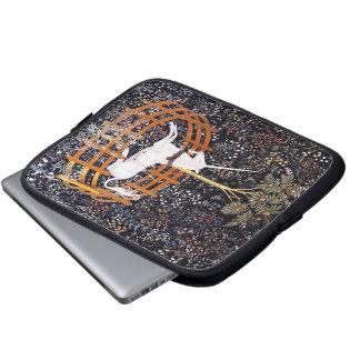 El unicornio en manga del ordenador portátil del c fundas portátiles