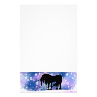 El unicornio negro místico (déjelo la nieve)  papeleria de diseño