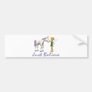 El unicornio y la hada apenas creen pegatina de parachoque