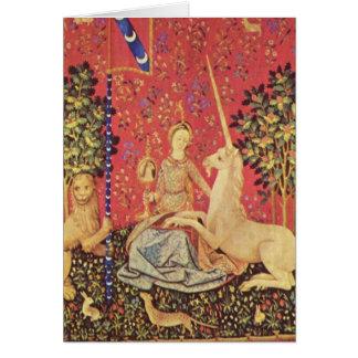 El unicornio y la imagen medieval virginal de la tarjeta de felicitación