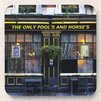 El únicos tonto y caballo posavasos de bebida
