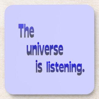 El universo está escuchando - fondo azul posavasos de bebidas