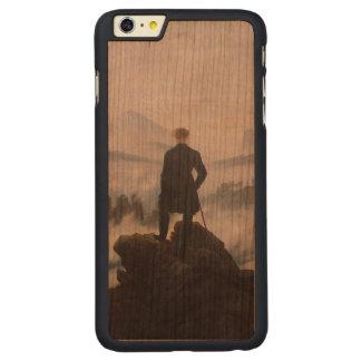El vagabundo sobre el mar de la niebla funda de cerezo carved® para iPhone 6 plus slim
