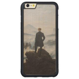El vagabundo sobre el mar de la niebla funda para iPhone 6 plus de carved® de nogal