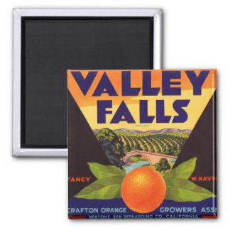 El valle cae etiqueta anaranjada del cajón imán cuadrado