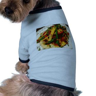 El Veggie sabroso del guisante verde y del tomate Camisas De Mascota
