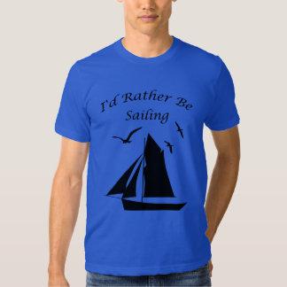 El velero esté navegando bastante la camiseta remera