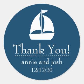 El velero le agradece las etiquetas (los azules etiqueta redonda