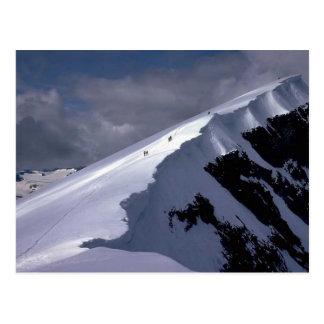 El venir alrededor de la montaña postales