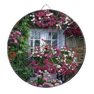 El verano impresionista florece la cabaña tablero dardos