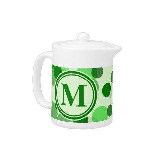 El verde adaptable mancha el monograma