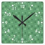 El verde bonito ajusta los regalos retros del mode relojes de pared