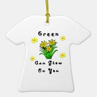 El verde crece en usted ornamentos de navidad