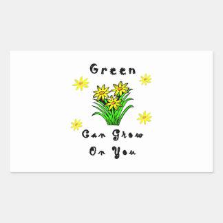 El verde crece en usted pegatina rectangular