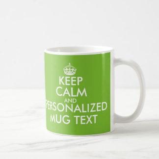 El verde de encargo guarda calma y su coffeemug taza clásica