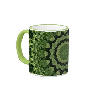 El verde deja la mandala taza