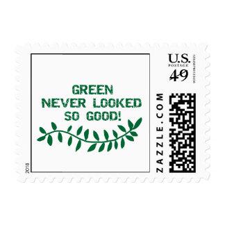 El verde nunca miraba las camisetas y los regalos sellos