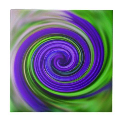El verde púrpura colorido remolina teja del arte