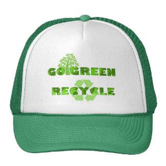 El verde recicla el gorra ambiental