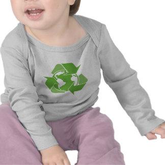 El verde recicla el reciclaje camiseta