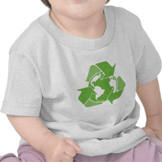 El verde recicla el reciclaje camisetas